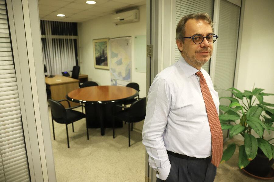 imagen de Miguel Loinaz, el coleccionista excéntrico que quiere acercar a la Corporación Nacional para el Desarrollo al sector privado