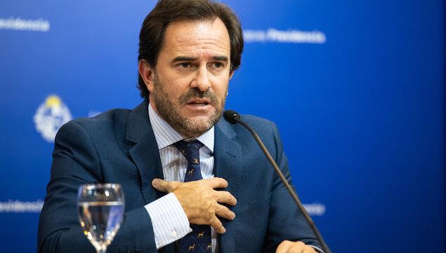 """imagen de Ministro de Turismo contrario a la expulsión del """"turismo hippie"""" de Rocha planteada por candidato a intendente de Cabildo Abierto"""
