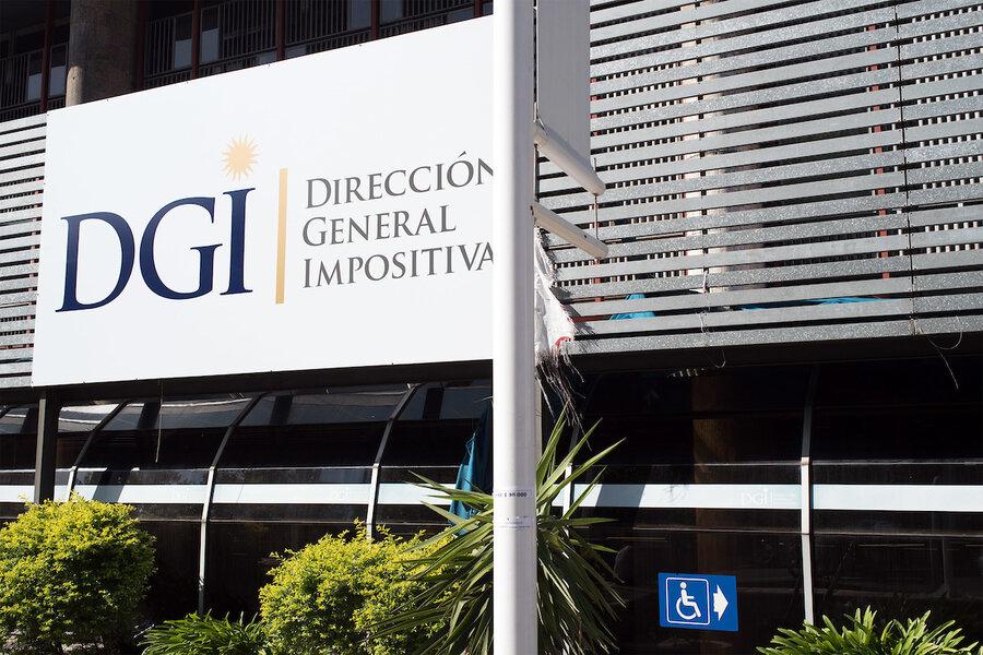 imagen de La DGI evalúa planteo de que los consumidores reciban tickets de sus compras vía mail o web