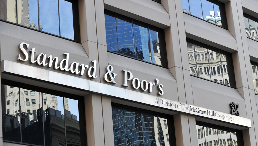 """imagen de Aunque más """"conservadores"""" que el gobierno, analistas de Standard & Poor's ven un """"daño estructural"""" acotado por Covid-19"""