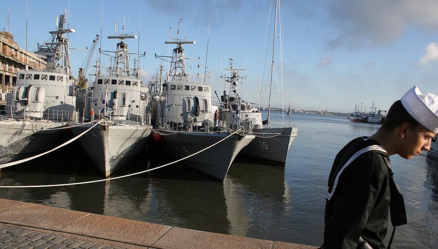 imagen de La Armada reanudará un entrenamiento militar organizado por EE.UU. que el Frente Amplio suspendió por su raíz imperialista