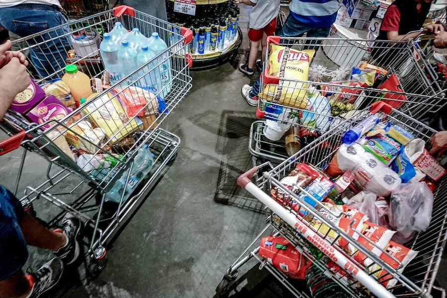 """imagen de Proyecto de ley plantea limitar cantidad de locales a cadenas de supermercados para evitar que """"devoren"""" a pequeños comercios"""