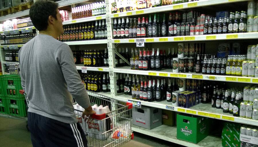 Hogares declararon un gasto anual de US$ 334 millones en el consumo de alcohol, cigarrillos y drogas