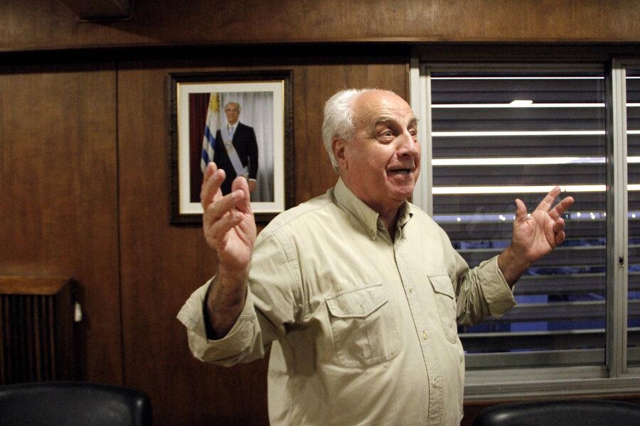 imagen de Vázquez propuso a Víctor Rossi para presidir el Frente Amplio