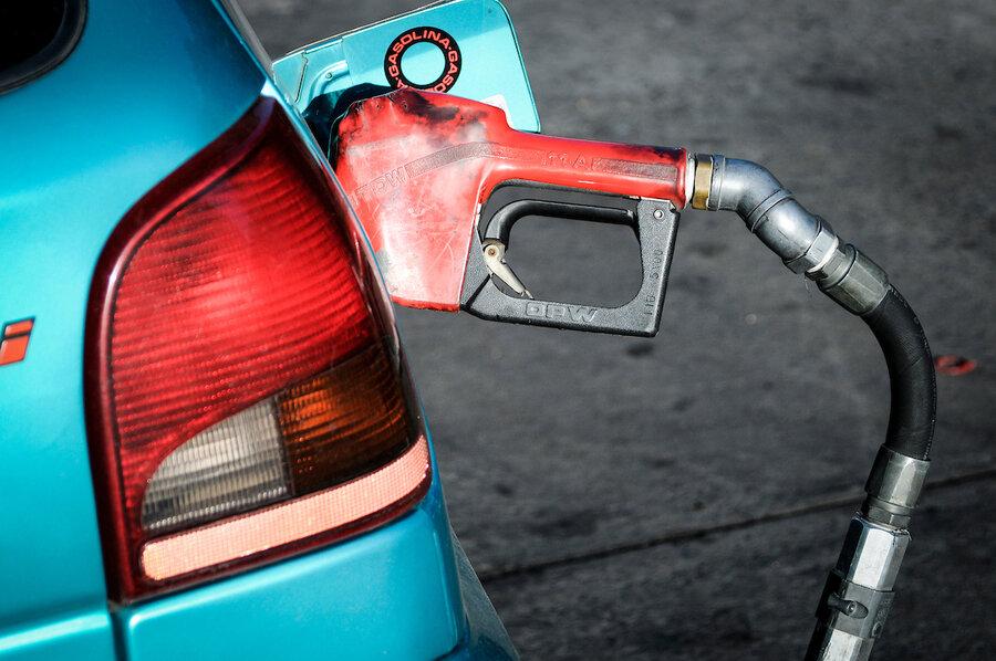 """imagen de Para evitar su """"catástrofe"""", estacioneros piden al Poder Ejecutivo que fije márgenes en la cadena de distribución de combustibles"""