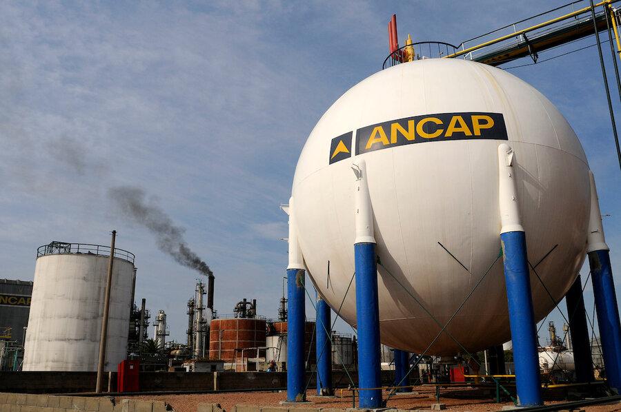 imagen de Unidad reguladora investiga a Ancap por incumplir la ley de biocombustibles; estacioneros creen que merece sanción dura