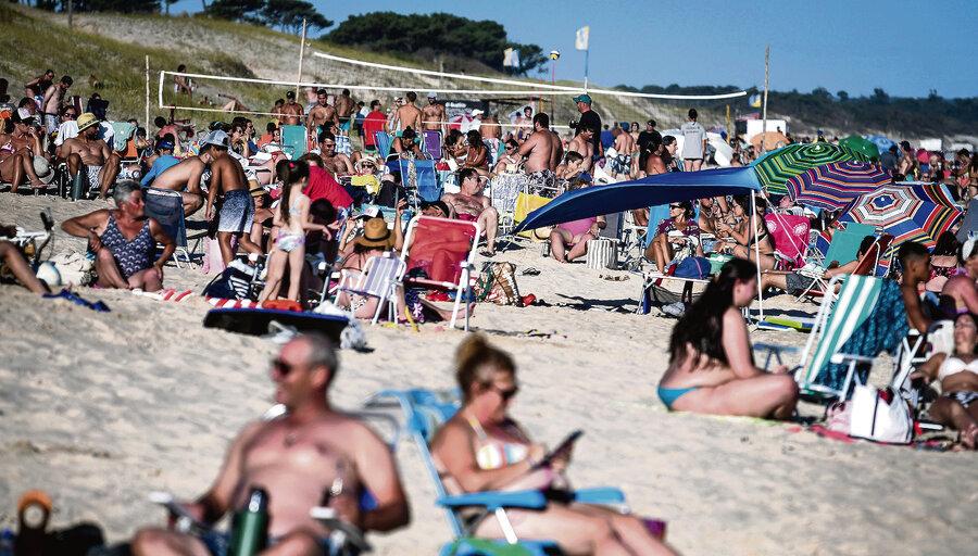 imagen de Mientras hay récords de casos de Covid-19, jóvenes en balnearios se reúnen en playas y casas privadas para sustituir las fiestas