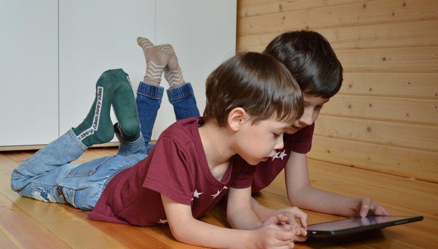 imagen de Tres de cada cuatro niños menores de cinco años usa Internet