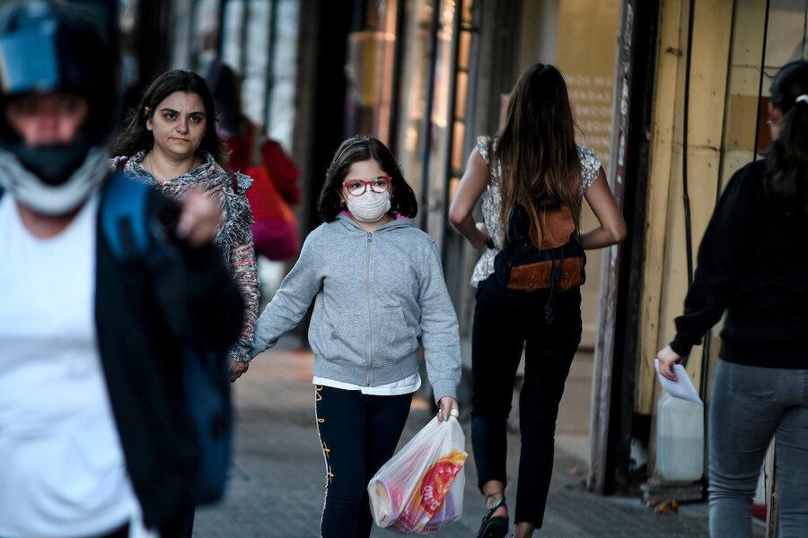 """imagen de El 15% de los uruguayos cree que el virus """"no existe"""" y que """"es un negocio"""""""