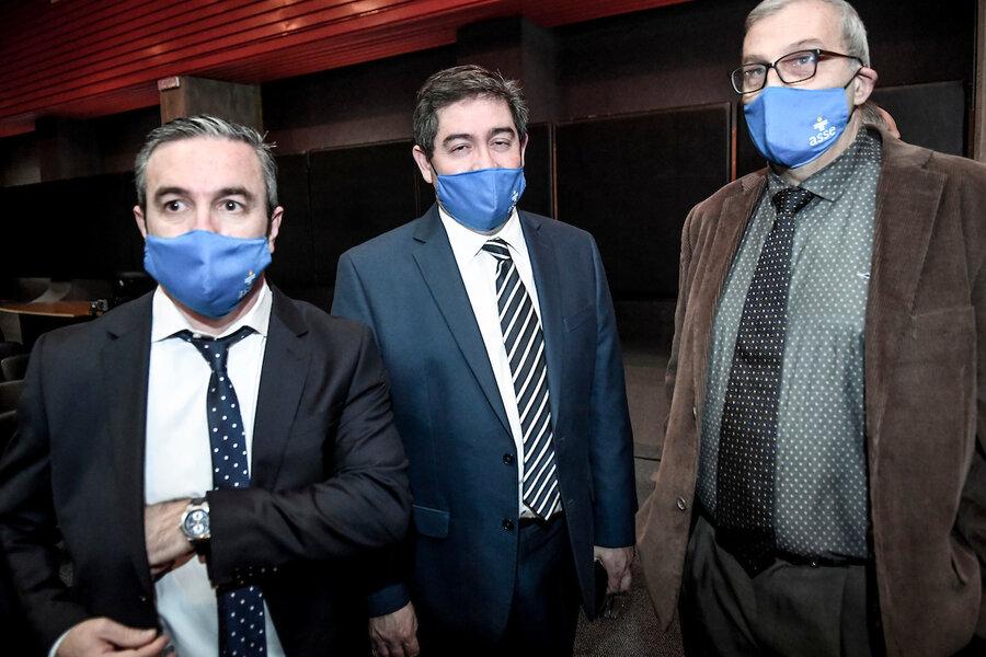 "imagen de Montagno exige a Cipriani que ""rectifique"" o pruebe porqué echó a 30 funcionarios de ASSE"