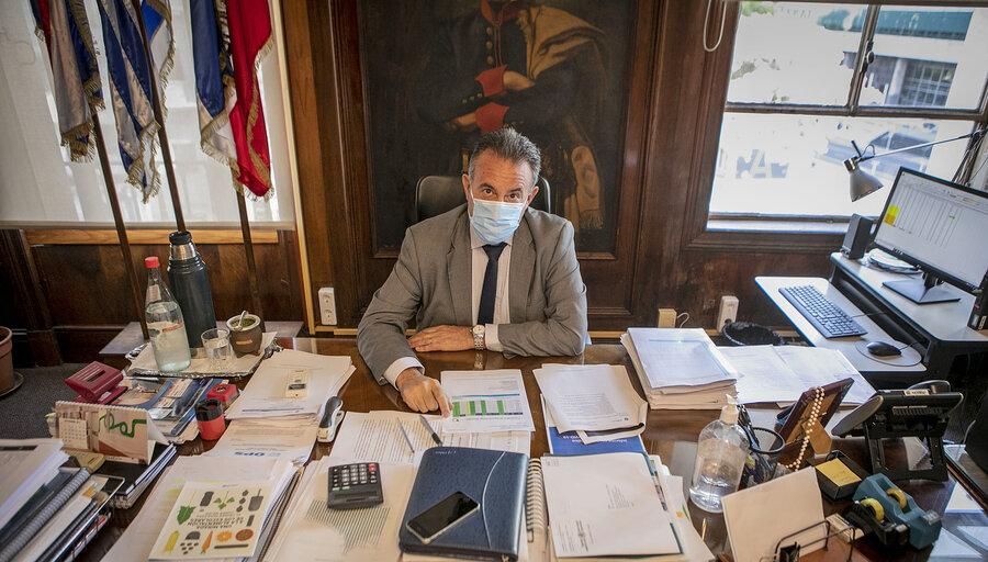 En la primavera el Covid estará bajo control y Uruguay recuperará una relativa normalidad, pronostica Salinas