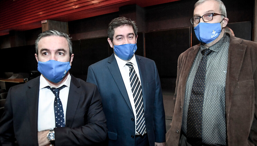 "Montagno exige a Cipriani que ""rectifique"" o pruebe porqué echó a 30 funcionarios de ASSE"