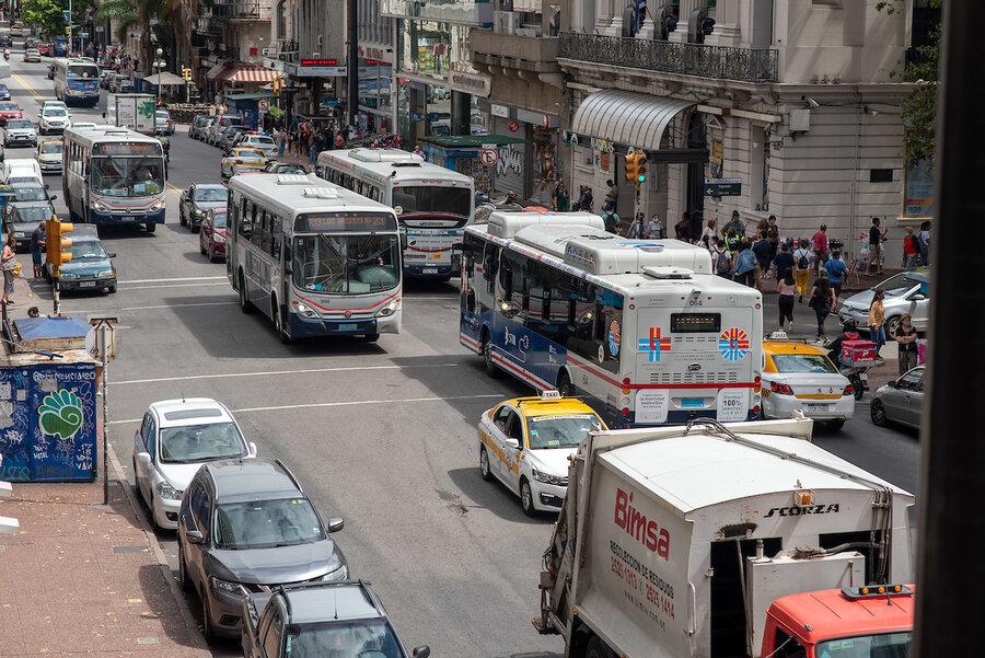 """imagen de Aunque con """"riesgos"""" por prolongación de la crisis sanitaria, Uruguay está """"preparado"""" para una recuperación económica"""