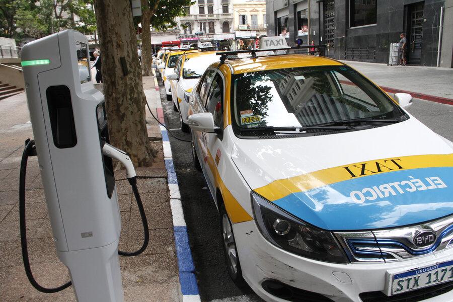 """imagen de Uruguay encamina su """"segunda transición energética"""" para descarbonizar el transporte, que produce el 60% de las emisiones"""