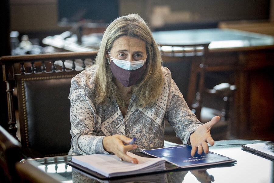 """imagen de Uruguayos tienen """"moral tributaria altísima""""; bajó evasión de IVA"""
