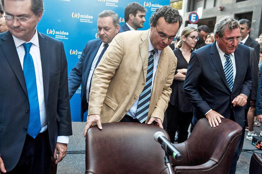 imagen de Bartol fue a una reunión con el presidente con la idea de liderar la pospandemia y se retiró con su remoción como única certeza