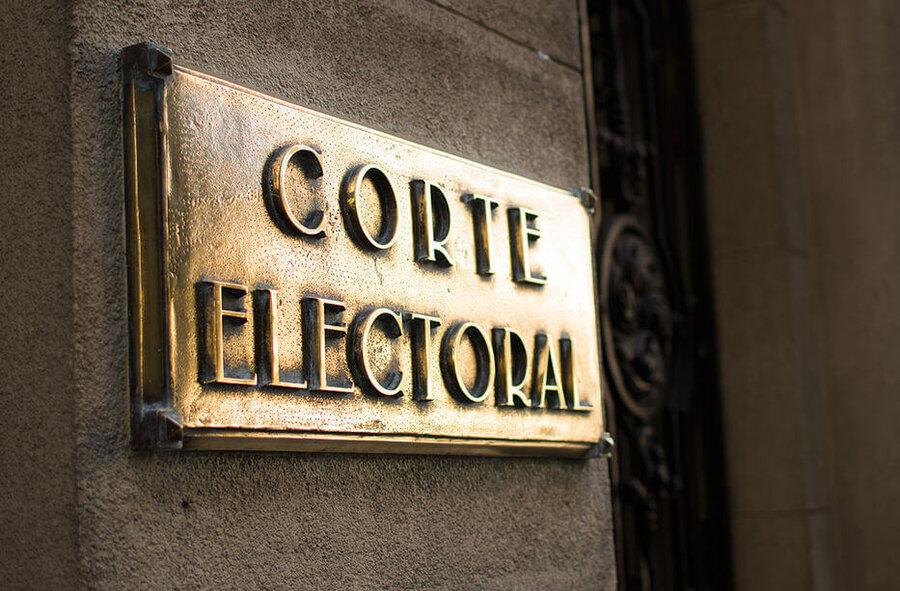 """imagen de Ante falta de acuerdo con la oposición, Cabildo propone renovar """"miembros políticos"""" de la Corte Electoral por mayoría simple"""