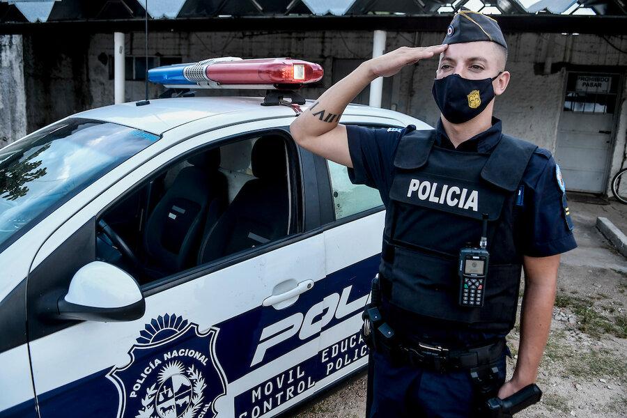 imagen de El Ministerio del Interior eliminó la prohibición de tatuajes a postulantes a policías