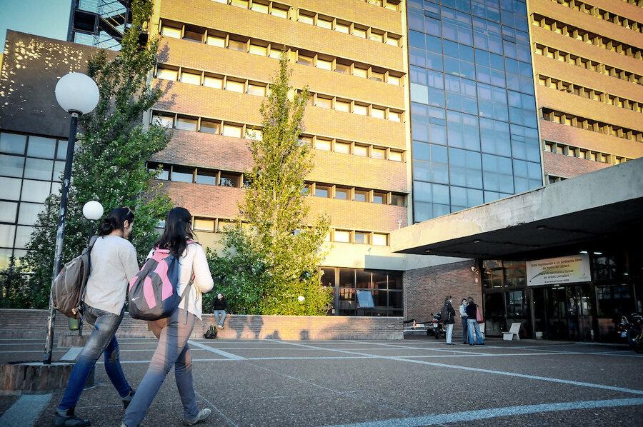 imagen de El Consejo de la Facultad de Ciencias se debate entre expulsar o suspender por seis meses a grado 5 que acosó sexualmente a alumna