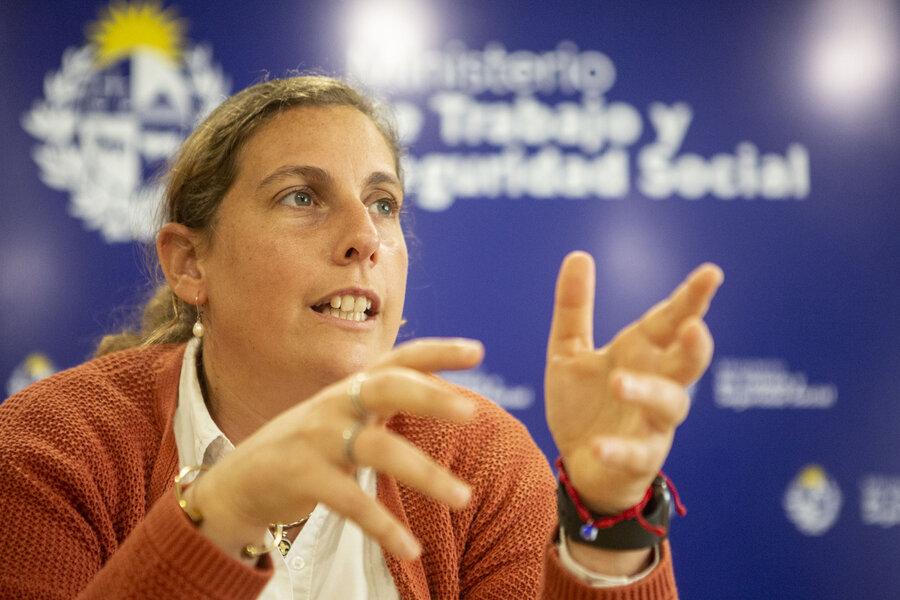 """imagen de El Ministerio de Trabajo promueve """"cláusulas"""" que benefician a las mujeres como herramienta si se traba la negociación salarial"""